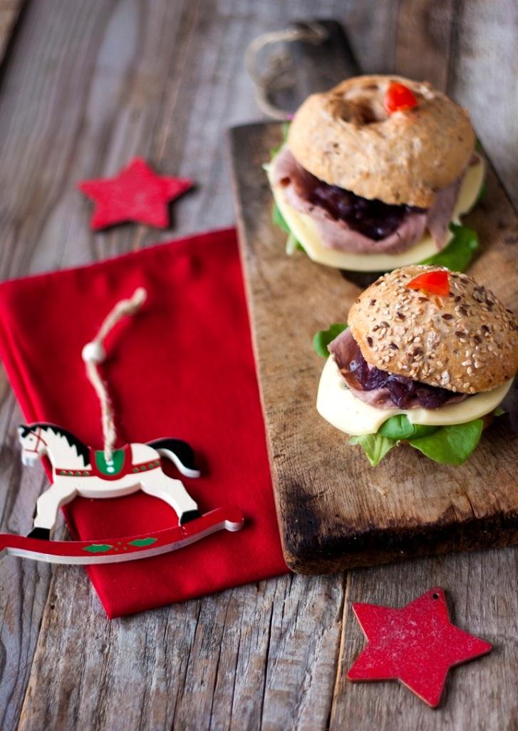 Bocconcini integrali con roast-beef, Leerdammer Original e cipolla di Tropea caramellata_2